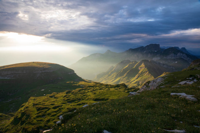 Die Churfirsten in den Alpen © Sylvia Knittel